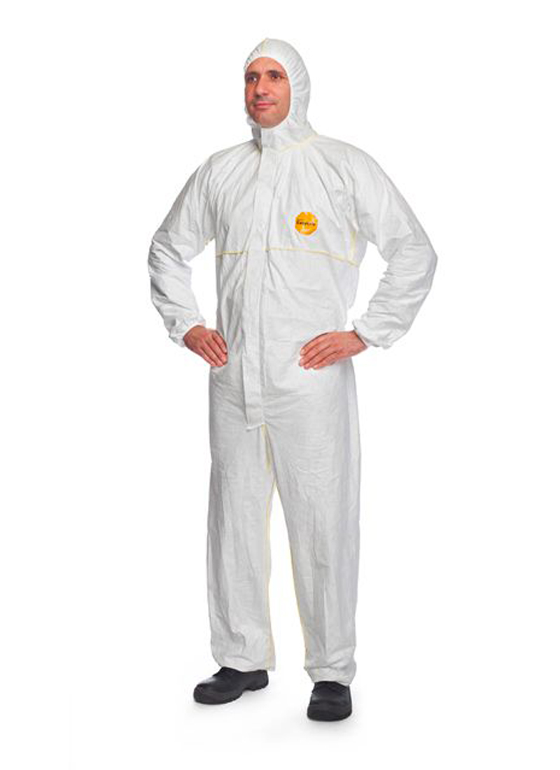 DuPont™ Easysafe protective coveralls
